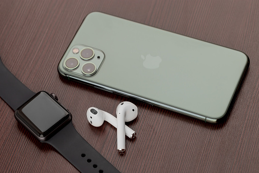 how to put AirPods in pairing mode