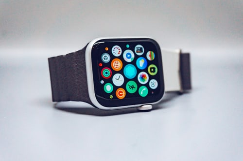 how to use the dock on your Apple Watch