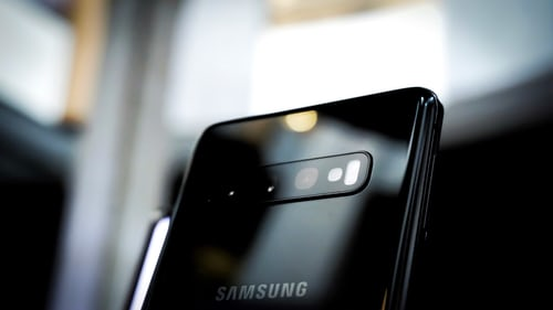 how to set up flash notifications in Samsung Galaxy S20