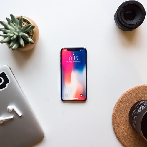 how to change clock on iPhone lock screen